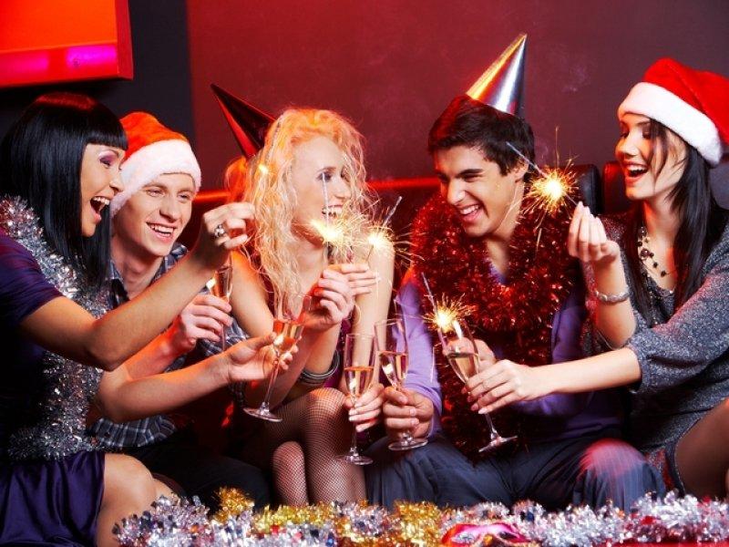 Новогодние развлечения для взрослой компании!